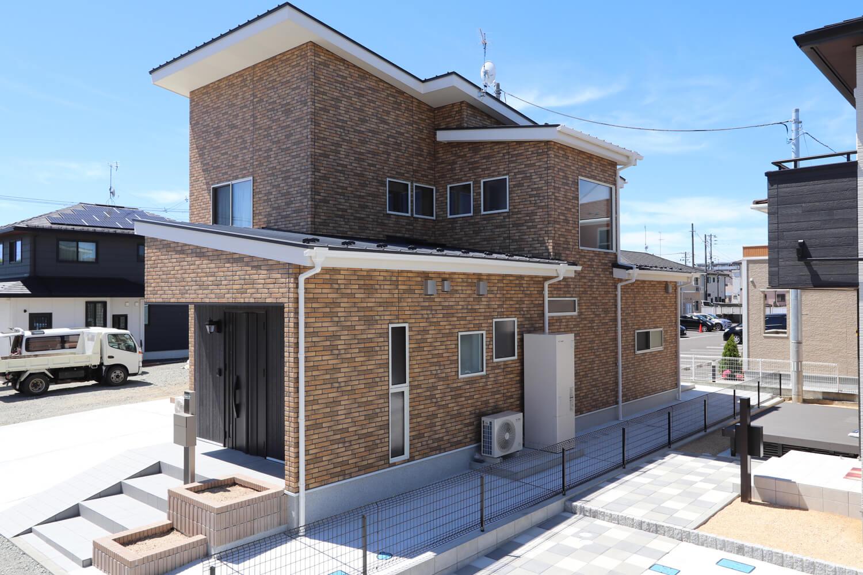Brick house レンガの家の画像