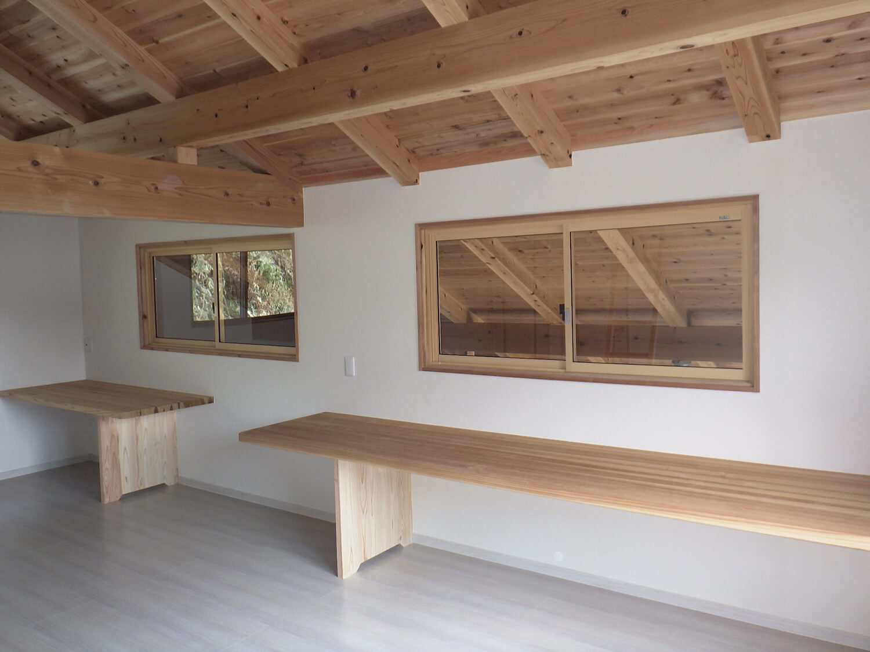 Japanese cedar 杉の家の画像